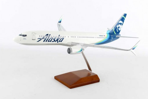 Alaska Boeing 737-900 Scimitar Reg# N494AS Crafted Resin G60210E Executive Series Scale 1:100
