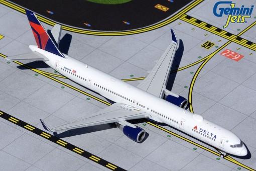 Delta Boeing 757-300 winglets N586NW Gemini Jets GJDAL1963 scale 1:400