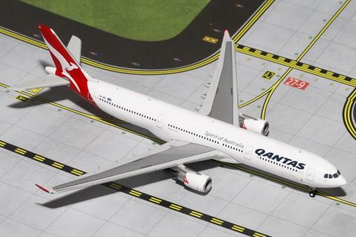 Qantas Airlines  Airbus A330-300 Reg# VH-QPA Gemini Jets GJQFA1199  Scale 1:400