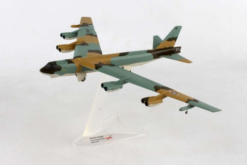 """USAF Boeing B-52G Stratofortress """"Museum of Flight""""  72d Strategic Wing Andersen Air Base Guam Herpa 559294 scale 1:200"""
