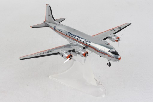 *American Airlines Douglas DC-4 Lightning Bolt livery NC90423 Herpa Wings 570862 scale 1:200