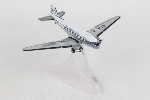 HE570886 HERPA PAN AM DC-3 1/200