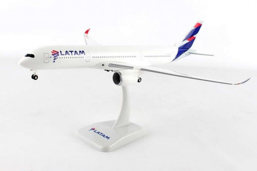 Latam Airbus A350-900 With Gear Hogan HG10741G Scale 1:200