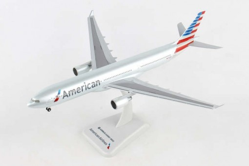 American Airbus A330-300 N278AY with gears Hogan HG10994G scale 1-200 eztoys