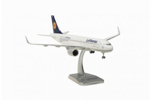 Lufthansa Airbus A320 Neo Reg# D-AINA Gears & Stand Hogan HGLH38 Scale 1:200
