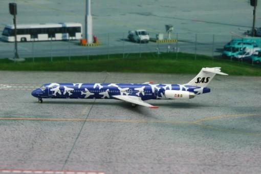 Blue Scandinavian Airlines SAS MD-82 Fenge Viking Reg# LN-RMD 11097 Phoenix 1:400