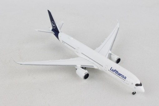 Lufthansa Airbus A350-900 new livery D-AIXM Herpa Wings 532983 scale 1:500