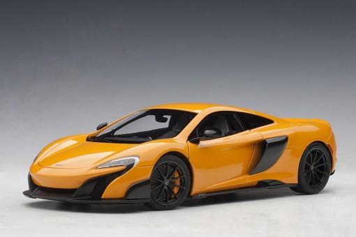 McLaren 675LT Orange die-cast AUTOart Model 76048 scale 118