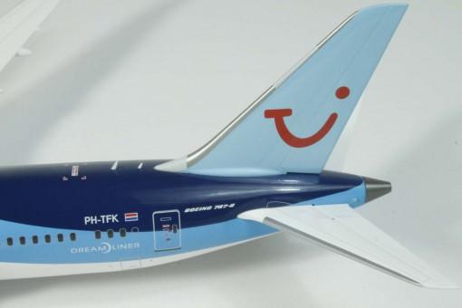 """Arkefly Boeing 787-8 Reg# PH-TFK """"Dreamcatcher"""" w/stand JC Wings JC2JAF868 Scale 1:200"""