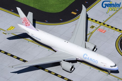 New mould flaps down! China Airlines Cargo Boeing 777F B-18771 Gemini Jets GJCAL1984F die cast scale 1:400