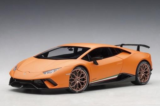 Orange Lamborghini Huracan Performante AUTOart 79152 scale 1:18