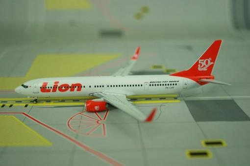 "LION AIR B737-900ER PK-LHY ""50TH"" (RED TAIL)   Phoenix 1:400"
