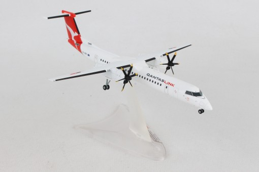 Qantas Link Bombardier Q400 New Livery VH-QOK City of Lismore Herpa 559546 scale 1:200