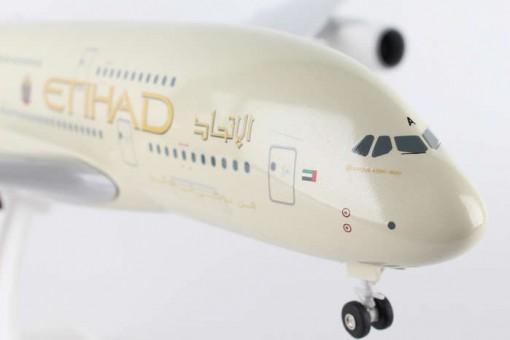 Etihad Airways A380 W/Gear and stand Skymarks SKR840 1:200