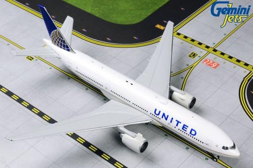United Airlines B777-200ER N796UA GeminiJets GJUAL1806 Scale 1:400