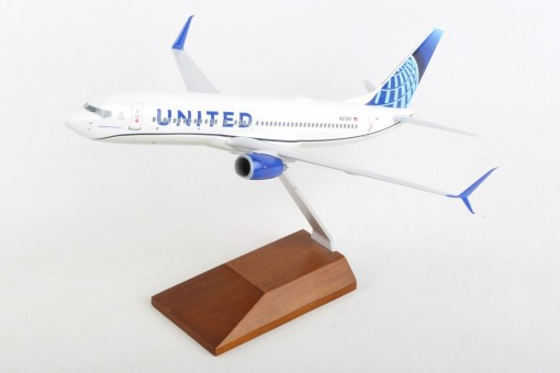 United Boeing 737-800 New Livery N37267 wood stand Skymarks SKR5166 scale 1-130