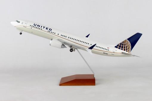 United Boeing 737-Max9 N67501 Wood stand & Gears Skymarks Supreme SKR8275 Scale 1-100