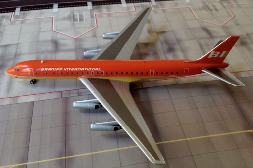 Braniff International DC-8-62 N1807 Orange   1:200 Scale
