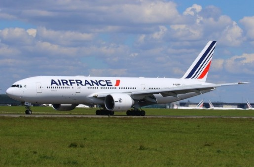 Air France Boeing 777-200ER F-GSPP livery die-cast Phoenix 04401 scale 1:400