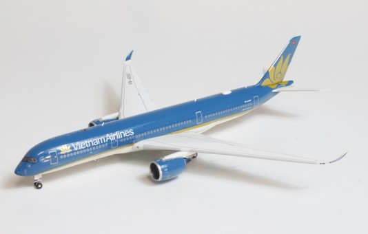 Vietnam Airlines Airbus A350-900 VN-A898 with stand Aviation400 AV4088 scale 1:400