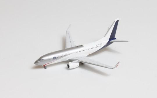 Netherlands Government Boeing 737-700/BBJ PH-GOV die-cast Panda 202103 scale 1:400