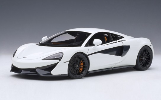 White McLaren 570S with black wheels AUTOart Model 76041 die-cast scale 1:18