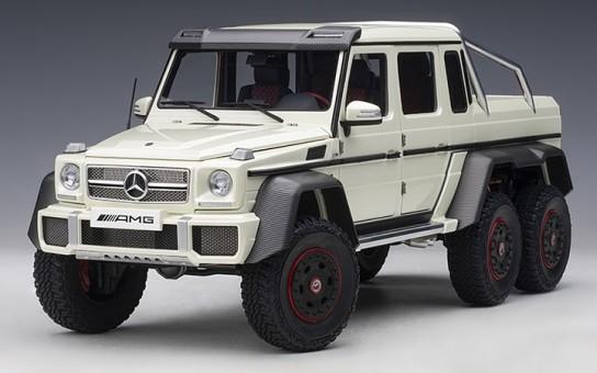 White Mercedes Benz G63 AMG 6x6 Designo Diamond Die-Cast AUTOart 76307 scale 1:18