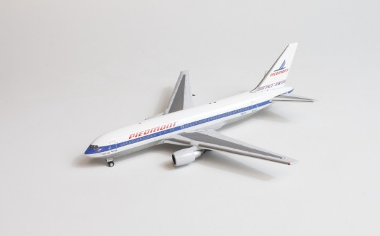 Piedmont Boeing 767-200 N603P AeroClassics AC419589 die-cast scale 1:400