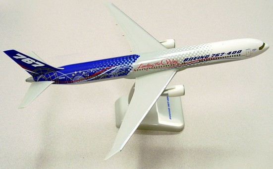 Boeing House 767-400 Leading The Way w/Gear NEW Hogan HG2315G scale 1:200