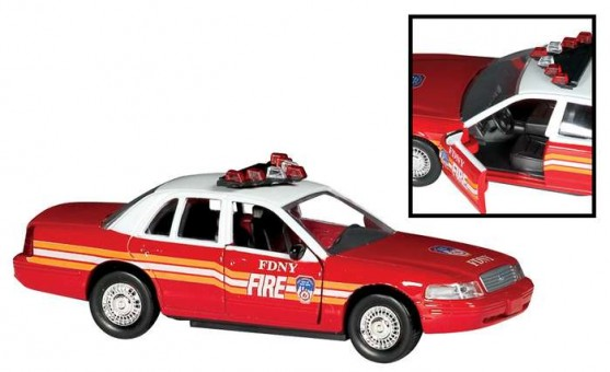 Fire Department of New York (FDNY) Fire Chief's Car RT8730 Scale 1:43