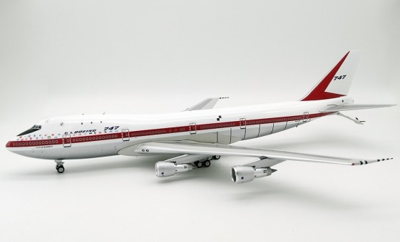 Polished Boeing House KC-747 N1352B InFlight IFKC7470119P scale 1:200