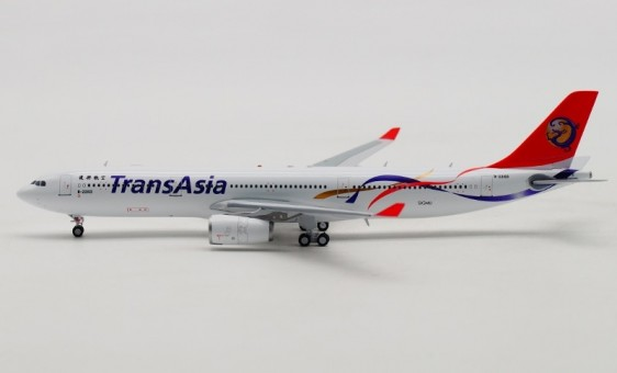 TransAsia Airways Airbus A330-300 B-22103 with stand Aviation400 AV4027 scale 1:400