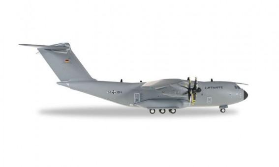Luftwaffe German Air Force A400M Atlas 54+30 Herpa 557207-003 scale 1:200