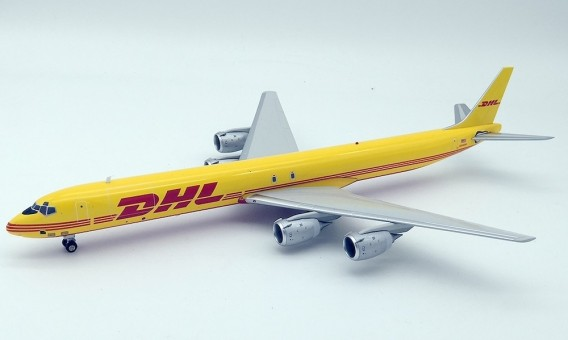 DC8-73F (DHL / ASTAR Air Cargo) N806DH With Stand