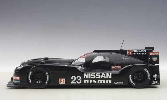 Nissan GT-R LM Nismo 2015 Black Test Car Composite 81577 Scale 1:18