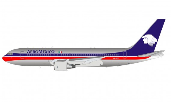 AeroMexico Boeing 767-200 XA-RVZ polished red-blue livery with stand InFlight IF762AM0621P scale 1:200