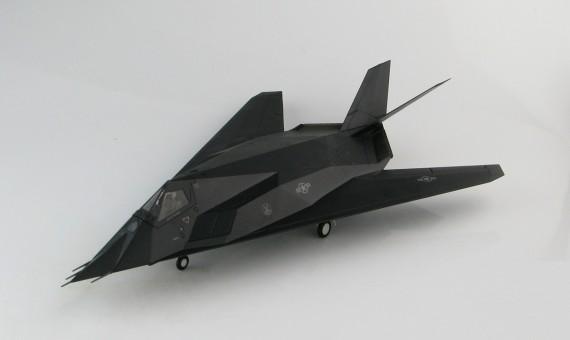 Demons F-117A Nighthawk 7th FS Vega 31 Kosovo War HA5805 1:72