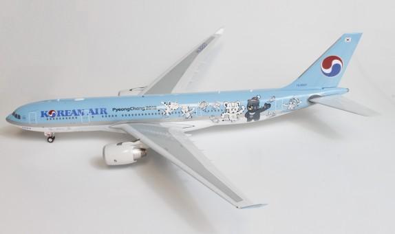 Korean Air Pyeong Chang  A330-200 Reg. HL8227 W/Stand Phoenix 100057 Scale 1:200