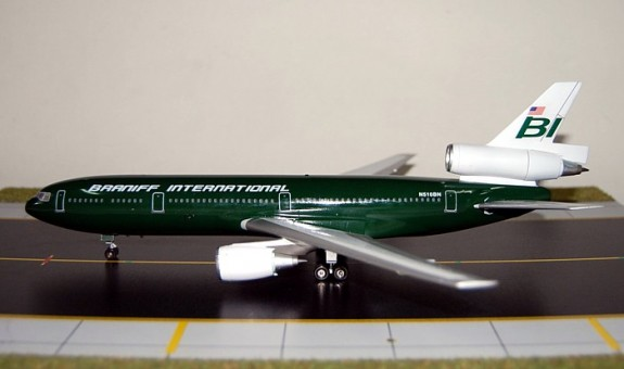 Braniff  DC-10   Green Jellybean SM2DC101306