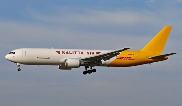 DHL-Kalitta Air Boeing 767-300ER N762CK diecast model Phoenix 04374 scale 1:400