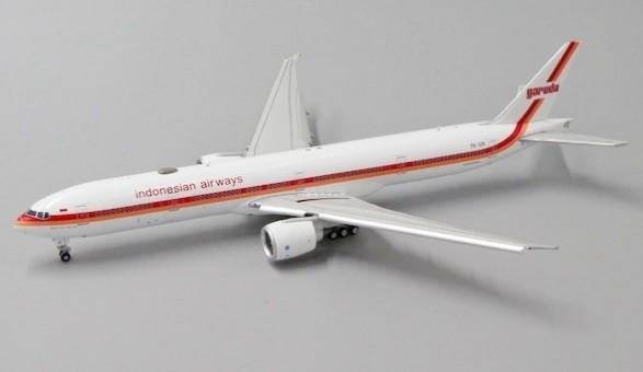 Flaps down Garuda Indonesia Boeing 777-300ER PK-GIK Retro livery JCwings JC4GIA165A scale 1:400
