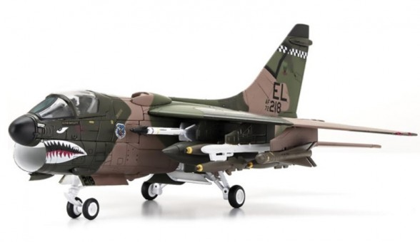 USAF A-7D Corsair II 23rd TFW, 75th TFS Tiger Sharks #72-0218 Century Wings CW-001632 scale 1:72