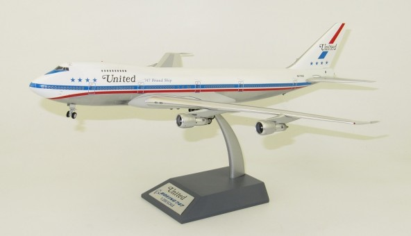 United Airlines Boeing 747-100 N4716U Friendship polished with stand IF741UA0818P InFlight Scale 1:200