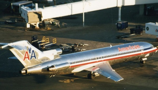 American Boeing 727-200 Silver livery N6805 JC Wings LH4AAL050 Scale 1:400