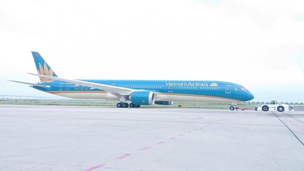 Vietnam Airlines regular Boeing 787-10 Dreamliner VN-A872 Phoenix 04297 die-cast scale 1:400