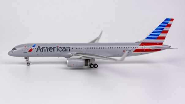 American Airliens Boeing 757-200 New Livery N691AA Winglets NG Model 53121 Scale 1400