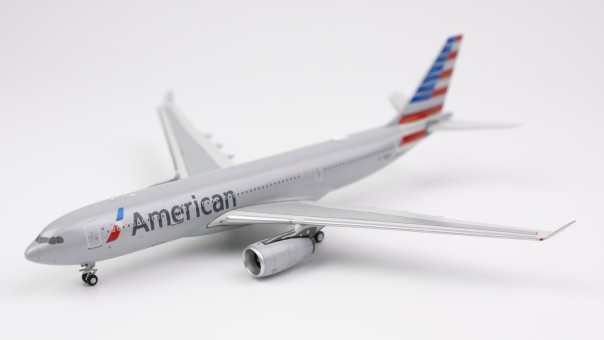 American Airlines Airbus A330-200 N281AY  NG models 61001 scale 1:400