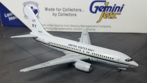 U.S. Navy w/ Squadron Patch (C-40) Boeing 737-700 Geminijets GJUSN295 scale 1:400