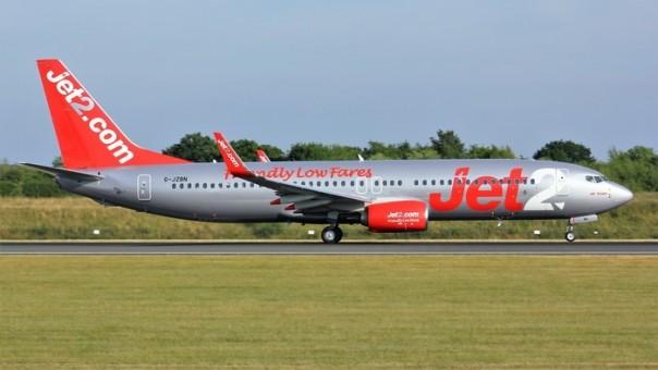 Jet2 Boeing 737-800 G-JZBN die-cast model Phoenix 04259 scale 1:400