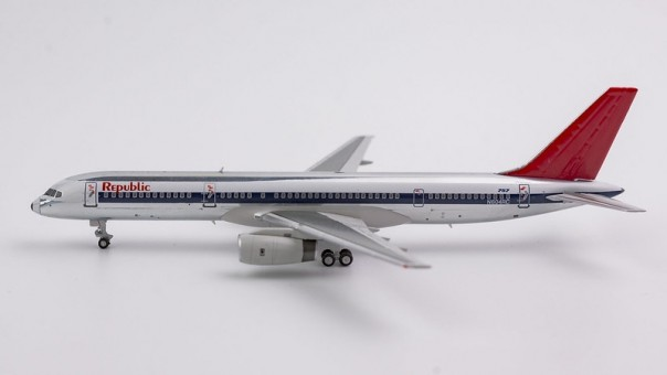 Republic Airlines 757-200 N604RC NW scheme, polished, red tail (1:400) NG53035